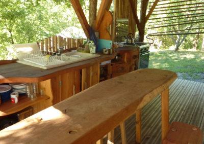 La cuisine d'été au camping à Manaska à Montbrun-Bocage