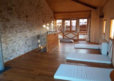 Hébergement en dortoir écologique pour séjour bien-être au coeur de la nature