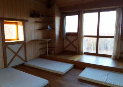 Hébergement en dortoir écologique pour séjour bien-être aux pieds des Pyrénées