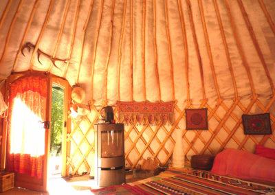 Hébergement en yourte pour un stage bien-être à Manaska