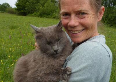 Nochenka et l'un de ses chats