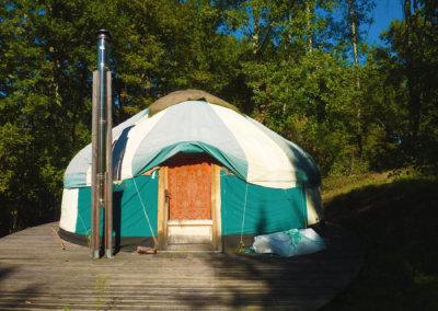 Séjour bien-être en yourte au coeur de la nature à Montbrun-Bocage