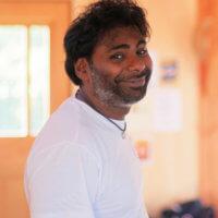 Kandeepan Joythimayananda enseigne le massage ayurvédique abyangam près de toulouse