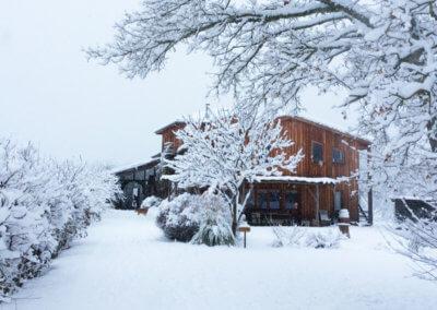 Manaska, eco-lieu de ressourcement à 1h de toulouse, sous la neige